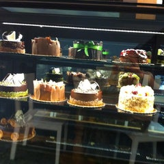 Photo taken at Cake City by Gozde D. on 7/2/2012