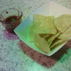 Photo taken at Los Cantaros Taqueria by Alicia K. on 12/1/2011