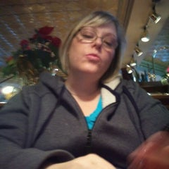 Photo taken at Red Robin Gourmet Burgers by Norm L. on 12/24/2011