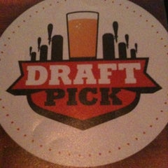 Photo taken at Draft Pick by Michelle Y. on 8/19/2011