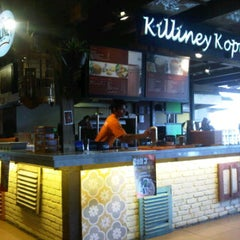 Photo taken at Killiney Kopitiam by Satrio R. on 12/27/2011