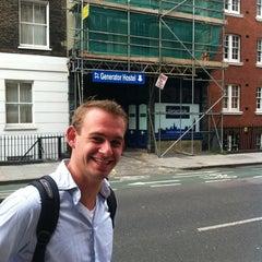 Photo taken at Generator Hostel London by Bob on 8/6/2012
