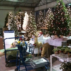 Photo taken at Lowe's Home Improvement by Justin F. on 10/19/2011