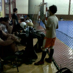 Photo taken at Zona Futsal Pulau Situ Gintung by Anto C. on 12/30/2011