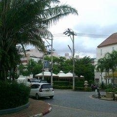 Photo taken at Kata Beach Center Hotel by Helge E. on 7/6/2012