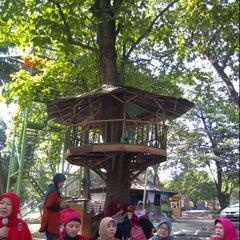 Photo taken at Warung Tenda Krakatau Junction by Ninick I. on 9/5/2012