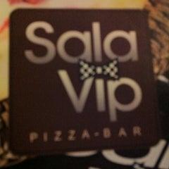 Photo taken at Sala Vip Pizza Bar by Karina G. on 3/3/2012