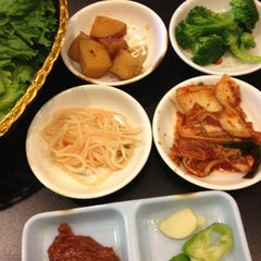 Photo taken at Honey Pig Gooldaegee Korean Grill by Amy W. on 8/4/2012