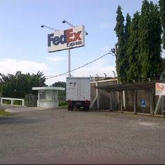 Photo taken at FedEx by Unggul B. on 4/11/2012