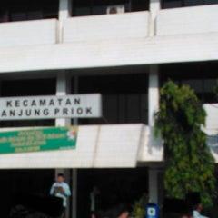 Photo taken at Kantor Kecamatan Tanjung Priok by anto s. on 5/21/2012