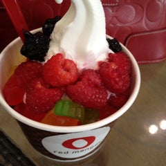 Photo taken at Red Mango by Theresa F. on 5/25/2012