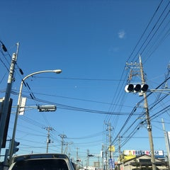 Photo taken at 愛宕山交差点 by yoshi_rin on 2/9/2015