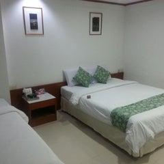 Photo taken at โรงแรมวสุ มหาสารคาม (Vasu Hotel Mahasarakham) by Suchart R. on 11/5/2012