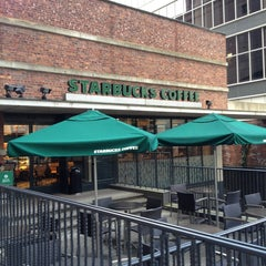 Photo taken at Starbucks Coffee 大阪ガーデンシティ店 by tsukasa0911 on 3/26/2013