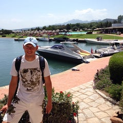 Photo taken at Hotel Cala di Volpe, Costa Smeralda by Valery I. on 8/4/2014