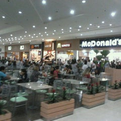 Photo taken at Litoral Plaza Shopping by Henrique S. on 4/16/2013