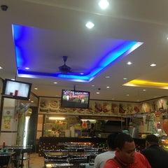 Photo taken at Restoran Al-Rafi Bistro by Aizuddin I. on 1/27/2013