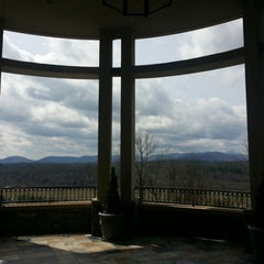 Photo taken at Inn On Biltmore Estate by Candace C. on 3/30/2013