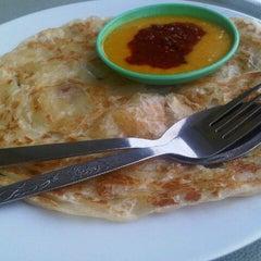 Photo taken at Restoran Kak Dayang Dan Katering by Mohd I. on 12/10/2012