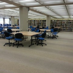Photo taken at Perry-Castañeda Library (PCL) by Fidel on 3/21/2013