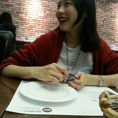 Photo taken at nilli pasta & pizza by SooYoung L. on 3/21/2013