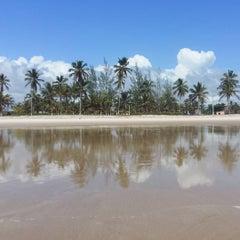 Photo taken at Praia Da Costa by Anabel M. on 1/10/2016