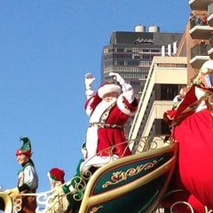 Photo taken at Macy's Thanksgiving Day Parade by Ed G. on 11/22/2012