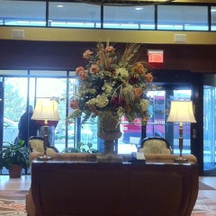 Photo taken at Crowne Plaza Louisville Airport Expo Ctr by Jane O. on 3/29/2013