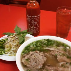 Photo taken at Pho VN One by Chuq Y. on 8/6/2015