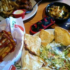 Photo taken at Chili's Grill & Bar by Dadricko L. on 3/25/2013