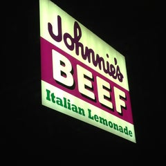 Photo taken at Johnnie's Beef by Christine M. on 5/27/2013