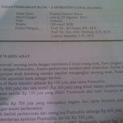 Photo taken at Gedung B Fakultas Hukum UNAIR by ahmad z. on 8/22/2014