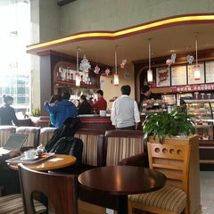 Photo taken at Costa Coffee by Gary C T. on 11/7/2012