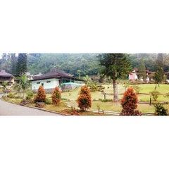 Photo taken at Hotel Resor Lembah Hijau by Budy Hadi  陳忠和 on 9/28/2014