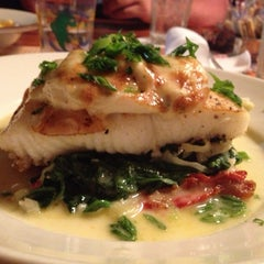Photo taken at Pappas Seafood House by Barbara G. on 4/14/2013