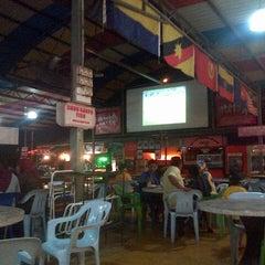 Photo taken at Maza Jungle Food Court by Sabri S. on 4/3/2013