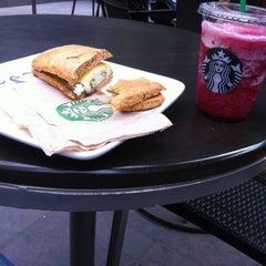 Photo taken at Starbucks by Edgar V. on 3/27/2013