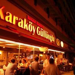 Photo taken at Karaköy Güllüoğlu by Serhat A. on 7/10/2013