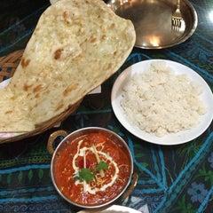 Photo taken at 에베레스트 Everest nepali restaurant by Allie Q. on 2/1/2015