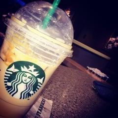 Photo taken at Starbucks by Jobina 🍹 N. on 2/9/2015