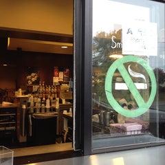 Photo taken at Starbucks by Jobina 🍹 N. on 10/14/2013