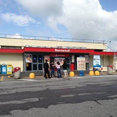 Photo taken at Autogrill by Андрей П. on 5/6/2013