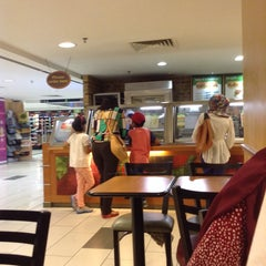 Photo taken at SUBWAY by Nur A. on 8/30/2015