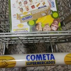 Foto tirada no(a) Cometa Supermercados por Paulo Luiz P. em 4/13/2013