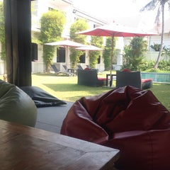 Photo taken at Palm Grove Resort Pattaya by Dragon R. on 1/19/2014