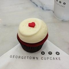 Photo taken at Georgetown Cupcake by Debbie J. on 6/17/2013