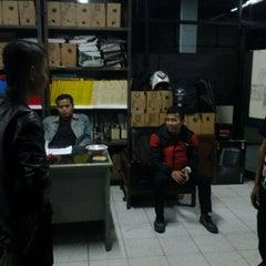 Photo taken at Dinas Pekerjaan Umum DKI Jakarta by Yusup Muda P. on 8/2/2013