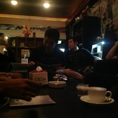 Photo taken at Royal Café & Resto by Reza R. on 3/28/2013
