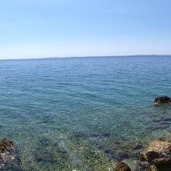 Photo taken at Plaža Frkanj by Riccardo G. on 8/17/2013