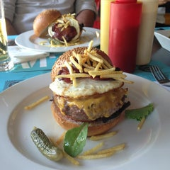 Photo taken at Stanford Gourmet Burger by Daniel A. on 7/7/2013